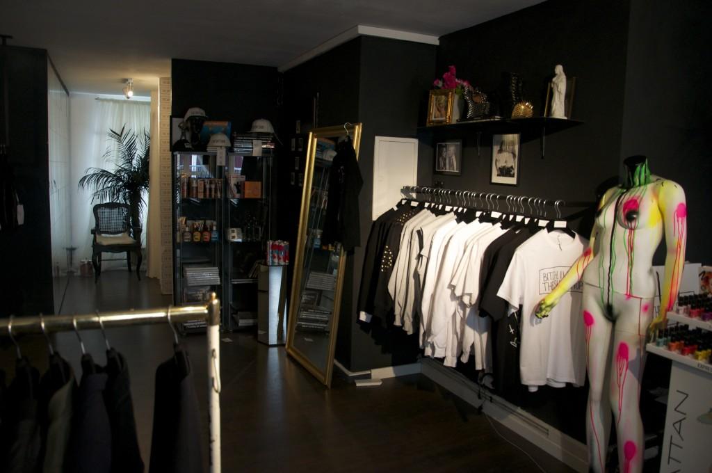 Bonnie Strange Shit Shop Berlin