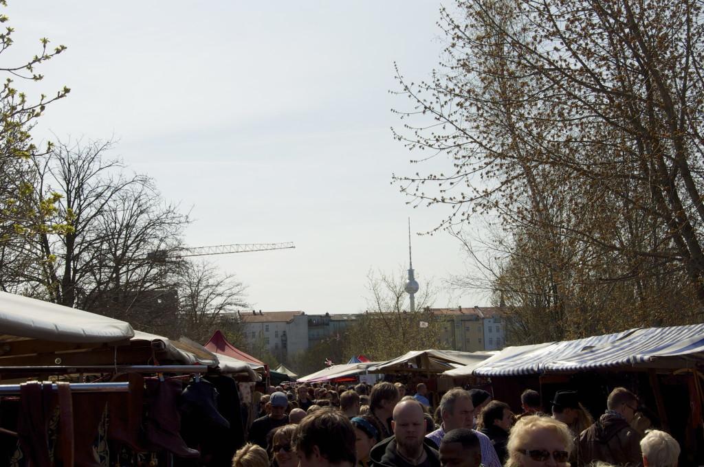 Flohmarkt am Mauerpark Friedrichshain Berlin-Mitte