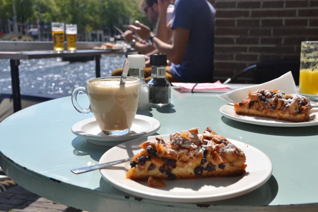 Amsterdam Café de Jaren Apfelkuchen