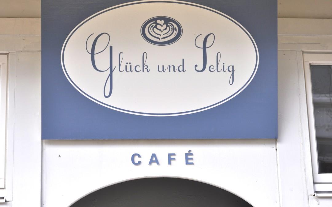 Mit dem Café Glück Gutscheinbuch im Glück und Selig, Karlsons und LilliSu