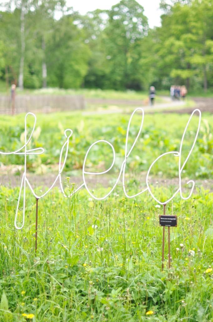 Stockholm, Djurgården: Rosendals Trädgård field sign
