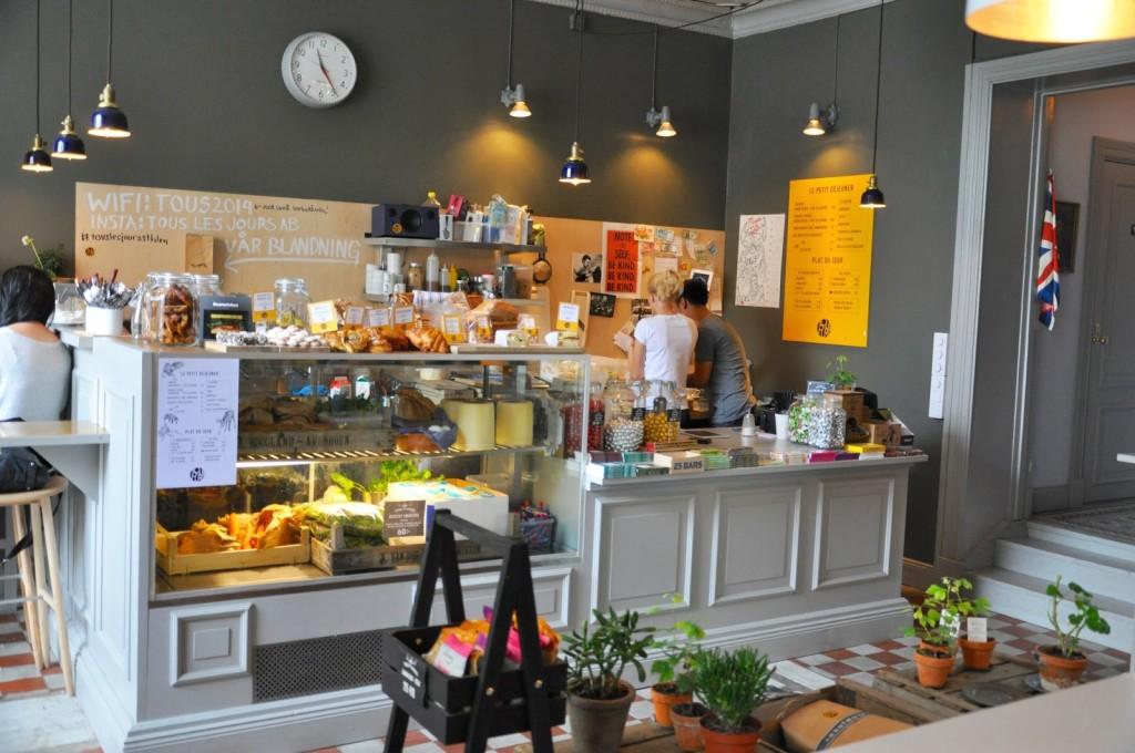Café Tous les Jours Stockholm Vasastan fika kanelbullar
