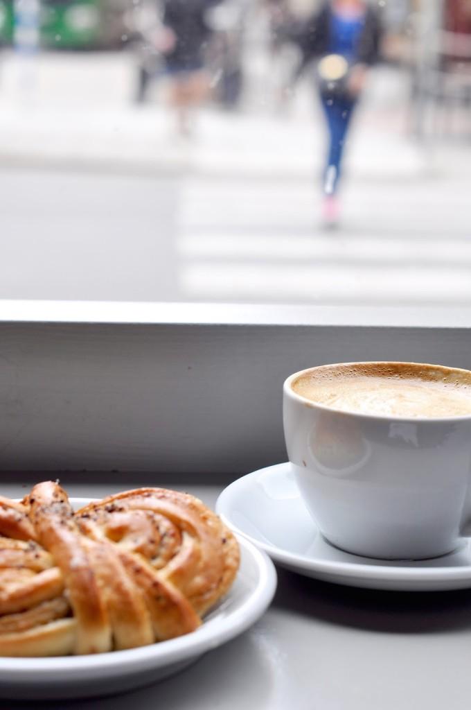Café Tous les Jours Stockholm Vasastan Coffeelover fika kanelbullar