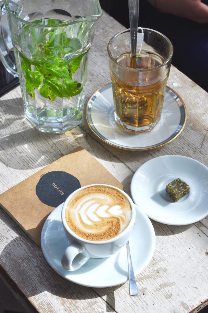 Kaffeetisch Interviewreihe Auf einen Kaffee mit Fräulein Anker Hamburg
