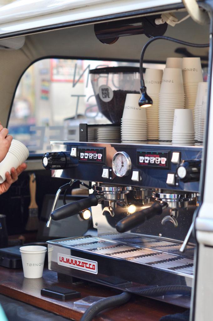Tornqvist VW Bulli Hamburg Schulterblatt Speciality Coffee Chocolate Café Hamburg La Marzocco