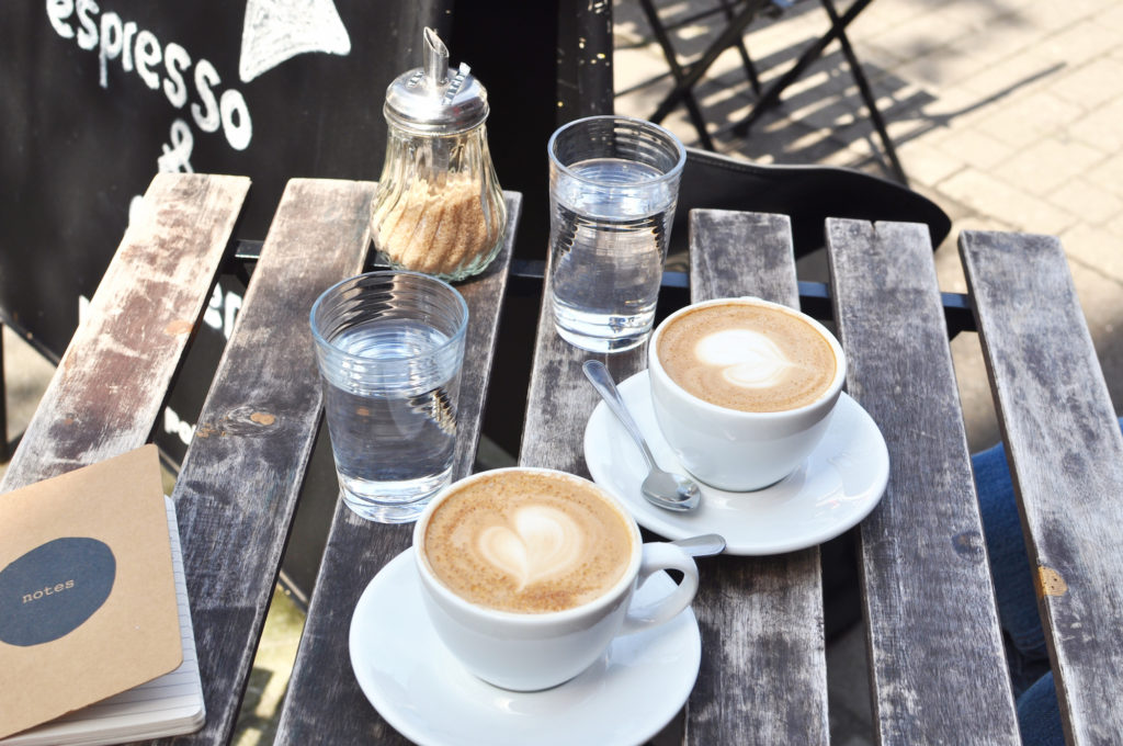 Instagramer Eskimo Nico Interview Fräulein Anker Hamburg Instagram less political auf einen kaffee mit cappucino