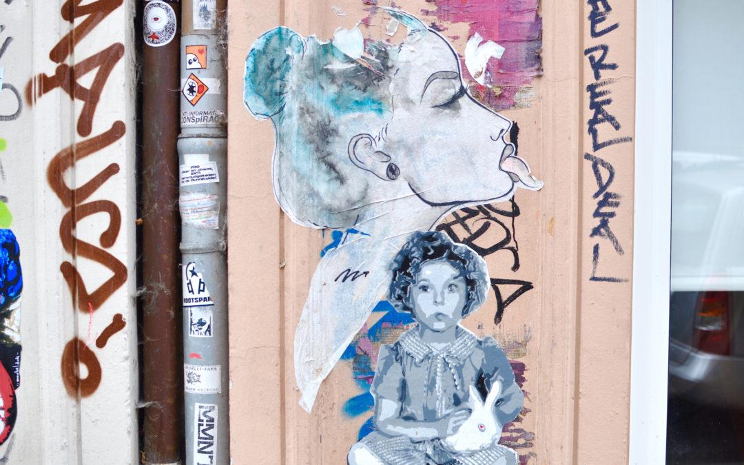 Hamburg, Karoviertel/ Sternschanze: Unterwegs in den kleinen Läden mit Findeling (Reklame)