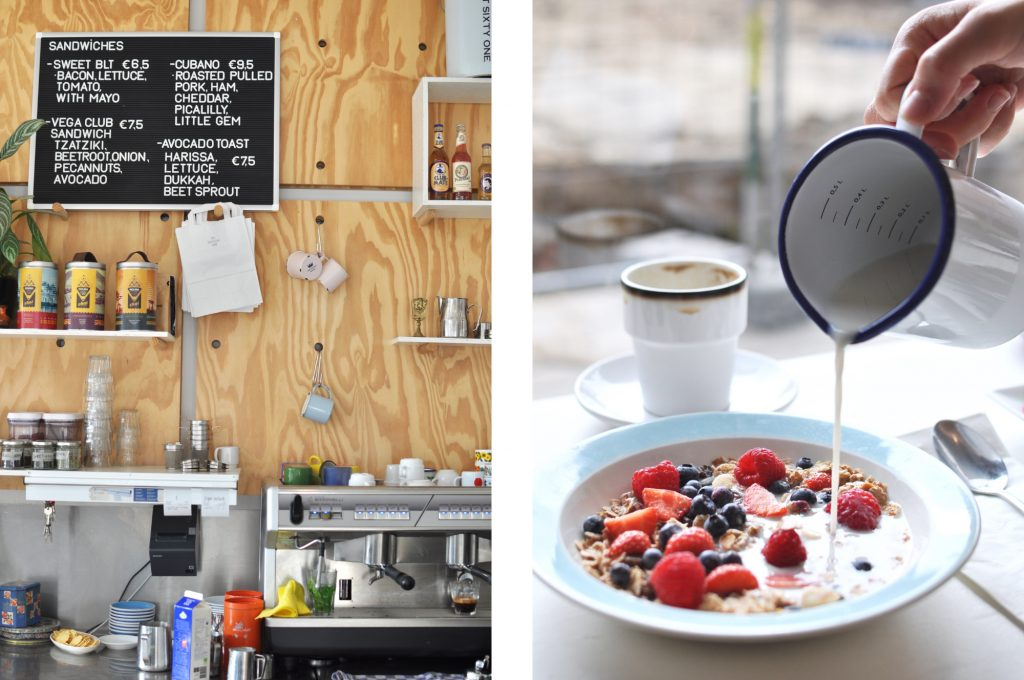 breakfast-in-amsterdam-west-at-the-breakfast-club-amsterdamguide-coffeespot-granola