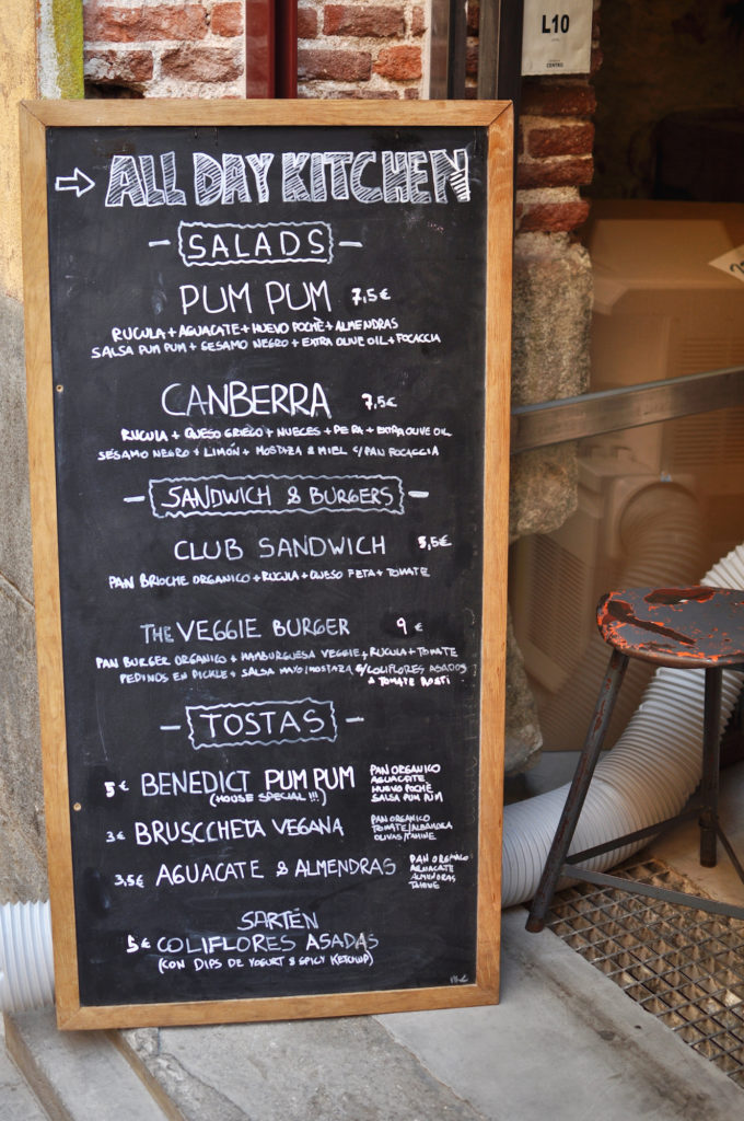 pum-pum-cafe-vegan-madrid-guide-breakfast-in-madrid-menu