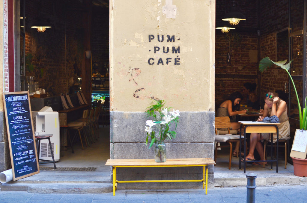 pum-pum-cafe-vegan-madrid-guide-cofeeplace-breakfast-in-madrid