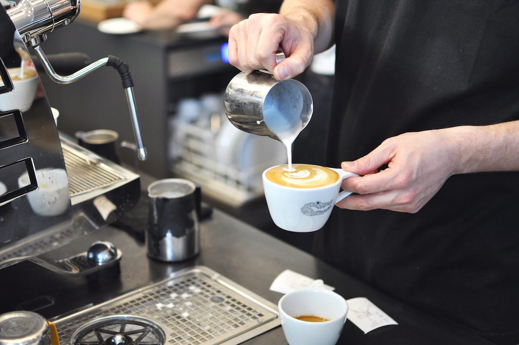 Barista at Man Vs Machine Munich specialty coffee