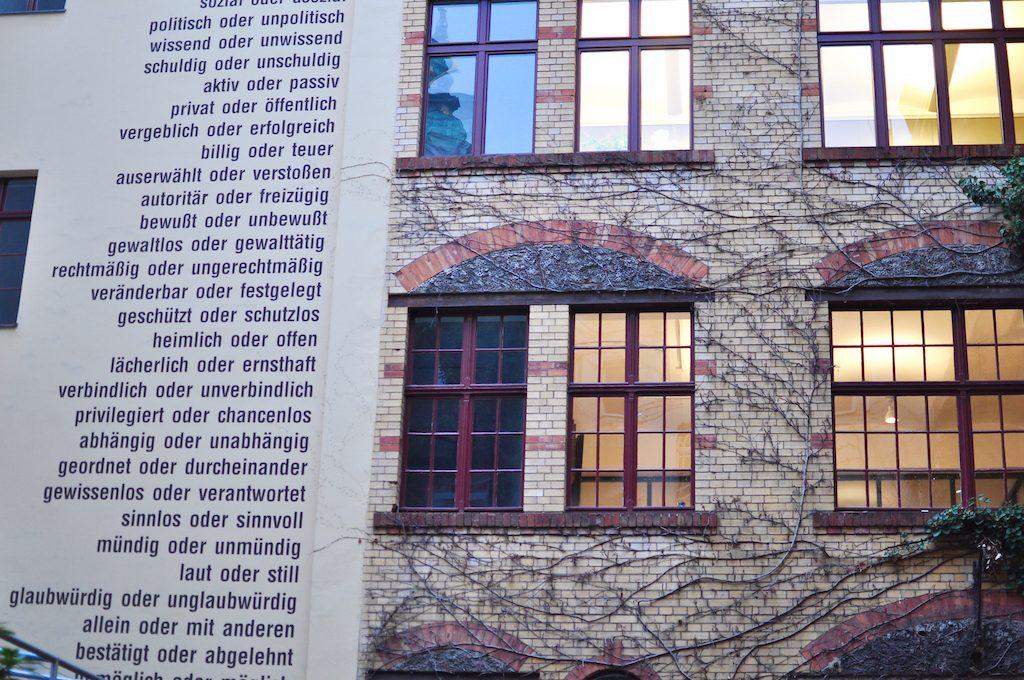 Sophie Gips Höfe Berlin Mitte Kunst Urban Art