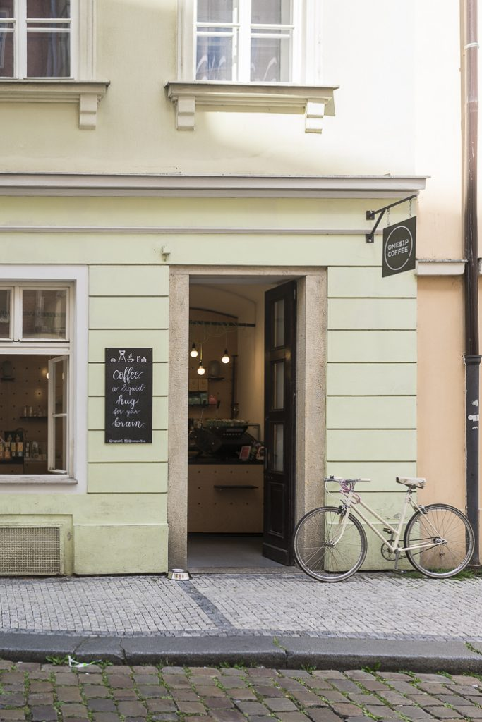 Onesip Prague Specialty Coffee Third wave Prag Guide Café Tipp