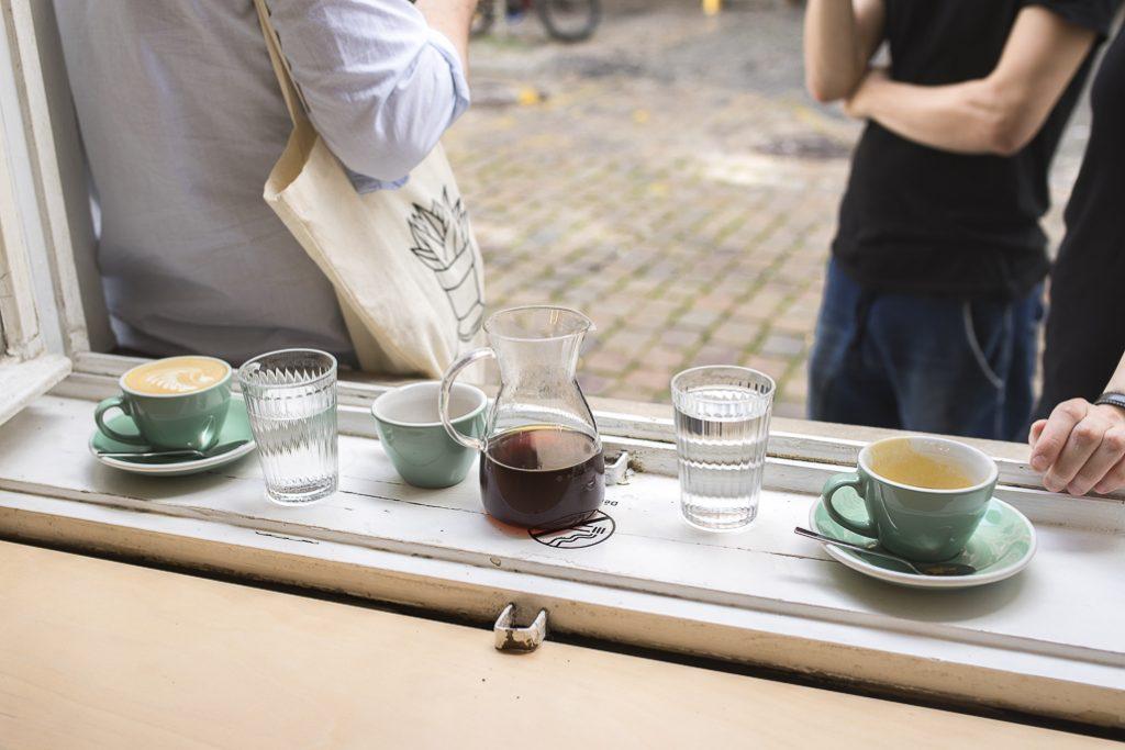 Onesip coffee with friends PRague Czech Republic