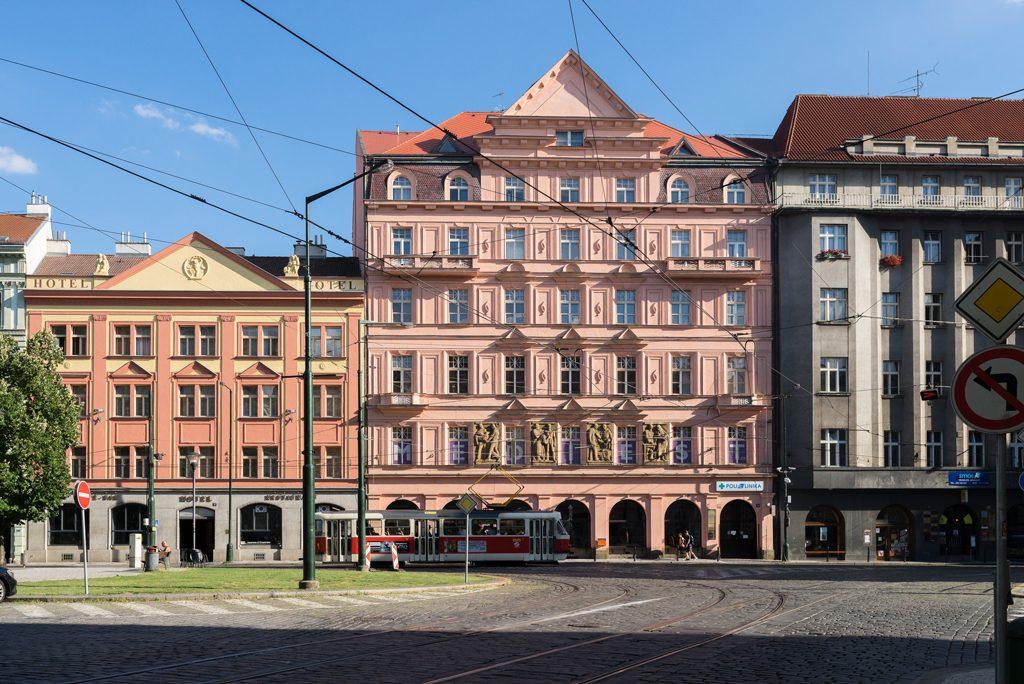 Visit Prague Travelguide